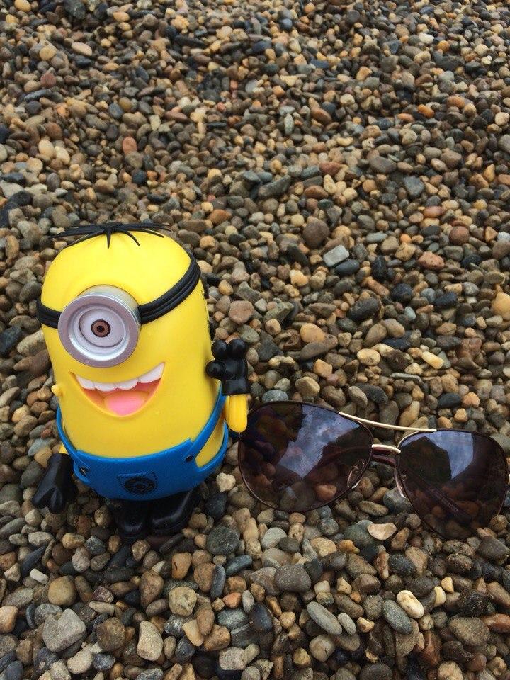 Мелкая галька пляжа Тонкого мыса